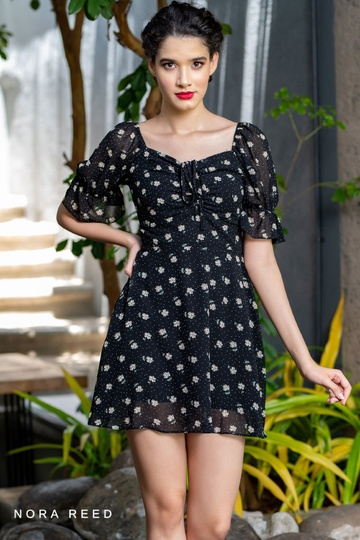 PRINTED FRONT GATHERED PUFF SLEEVE DRESS Black Color